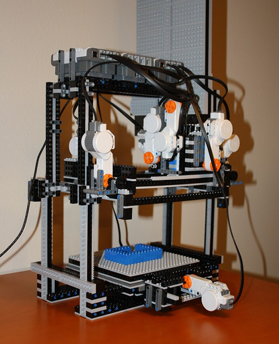 MakerLegoBot 3D Lego printer