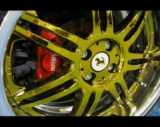 Ferrari-theme Suzuki Hayabusa Trike - Ferrari wheels 544px