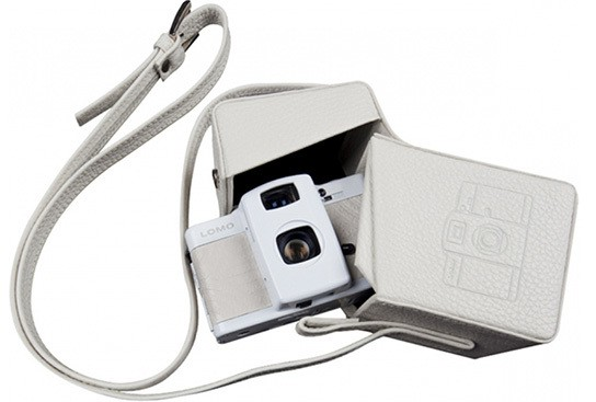 Lomography The LOMO LC-A+ White Japan Special Edition with Lomo L-case 544px