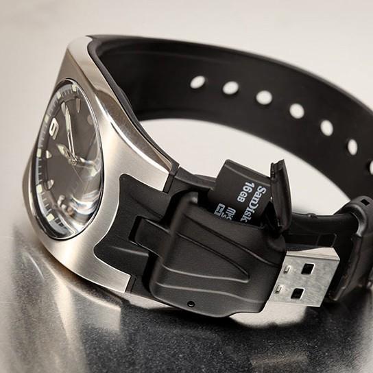 MicroSD Card Reader Watch 544px