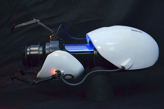 Volpin Props Portal Gun Replica side view 544px