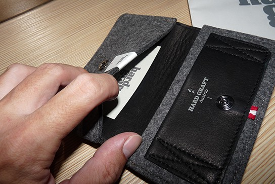 Hard Graft iPhone Wallet - miscellaneous compartment 544px