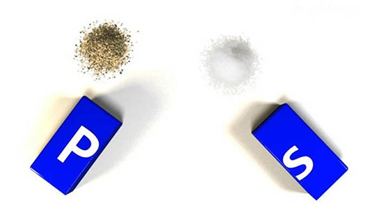 Photoshop Salt & Pepper Shakers img2 544px