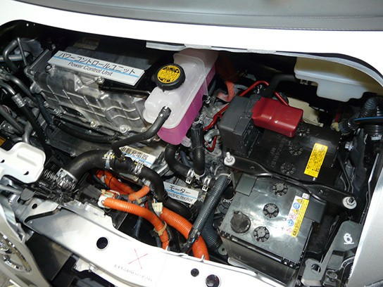 Toyota iQ Electric Vehicle - engine bay 544px