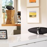 Bowers and Wilkins Zeppelin Air with iPad 600px