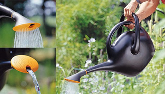 FISKARS Easy-Pour Watering Can img1 544px