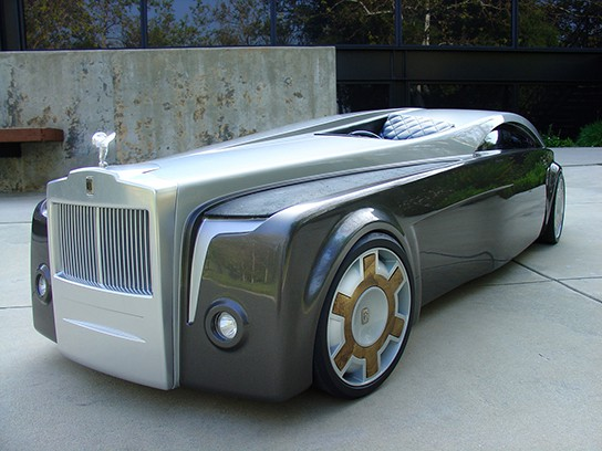 Rolls Royce Apparition - front angled view 544px