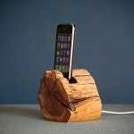 WoodTec Cedar iPhone Dock img1 600px