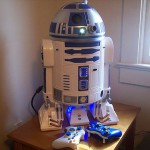 R2-D2 with built-in projector is the coolest xbox 360 mod