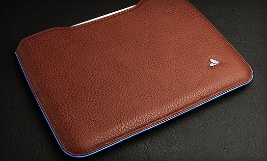 Vaja Premium Leather Sleeve for iPad 2 544x328px