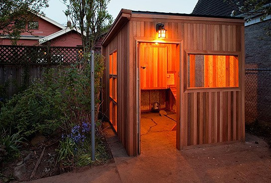Cedar chicken coop condo 544x368px