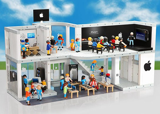 PLAYMOBIL Apple Store Playset 544x388px