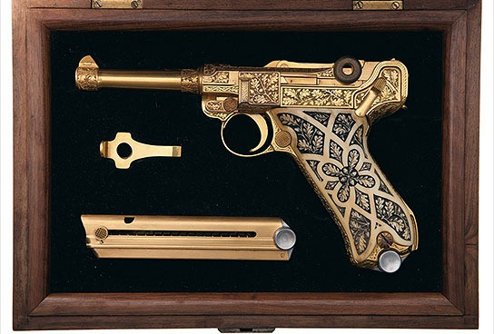 Gold-plated Luger Pistol 544x368px