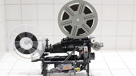 Lego Technic Super-8 Movie Projector by Friedemann Wachsmuth 544x308px