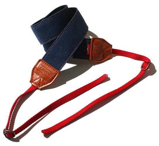 Levis x New Monday Camera Strap 544x500px