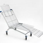 Shopping Cart Lounger: lounger made out of a shopping cart