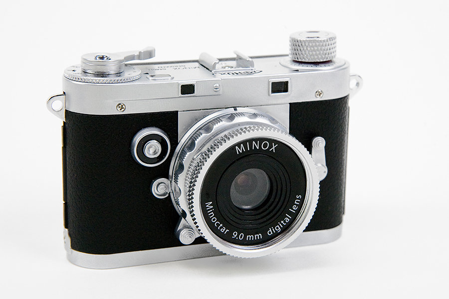 minox digital classic camera looks like a shrunken leica m3 mikeshouts. Black Bedroom Furniture Sets. Home Design Ideas