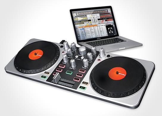 Gemini FirstMix USB DJ Controller 544x388px