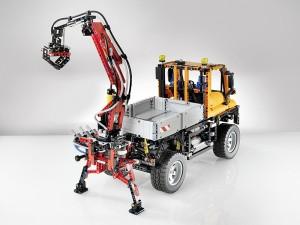 LEGO Technic Unimog U 400 800x600px