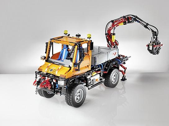 LEGO Technic Unimog U 400 544x408px