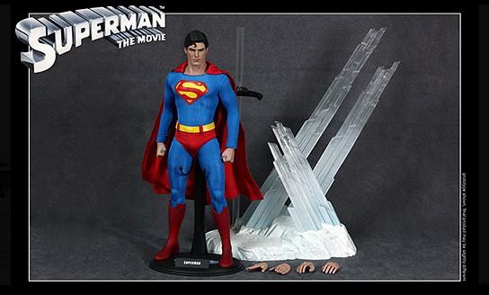 Superman 12-inch Figure 544x328px