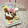 Chocolate Cake vs Macaroon iPhone 4 case 700x538px