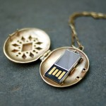 21st century locket has a USB flash drive hidden within