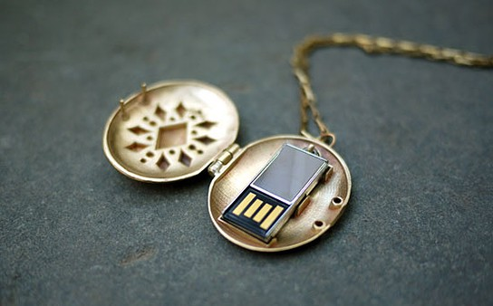 Emily Rothschild USB Locket 544x338px
