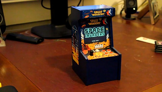 Miniature Space Invaders Arcade Machine 544x308px