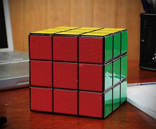 Rubik's Cube Speaker 544x448px