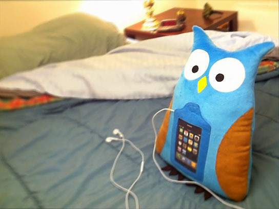 Swoop The Owl - Mobile Plush for iPhone & iPod Touch 544x408px