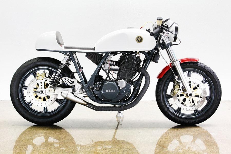 1978 Yamaha SR 500 motorcycle 900x600px