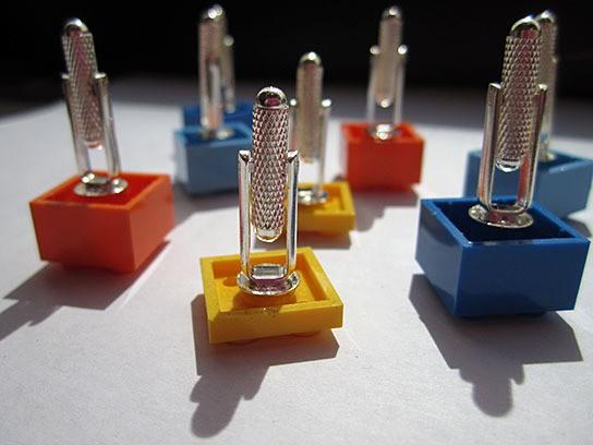 DIY LEGO Cufflinks 544x408px