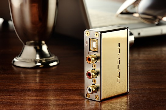 NuForce uDAC-2 Signature Gold Edition 544x360px