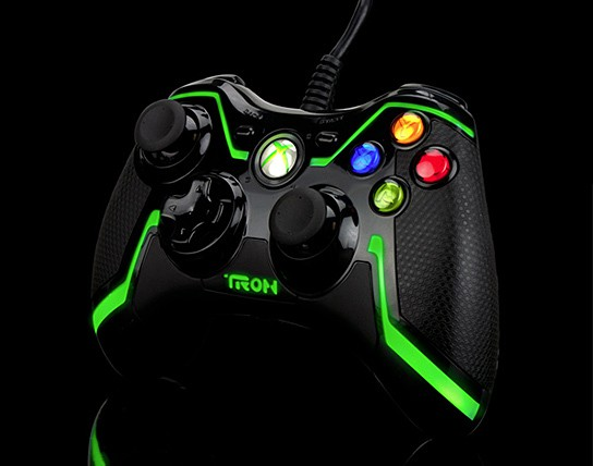 PDP R3C0NF1GUR3D Green Xbox 360 TRON Controller 544x428px