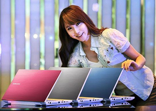 Samsung SENS Series 300V Laptop 544x368px