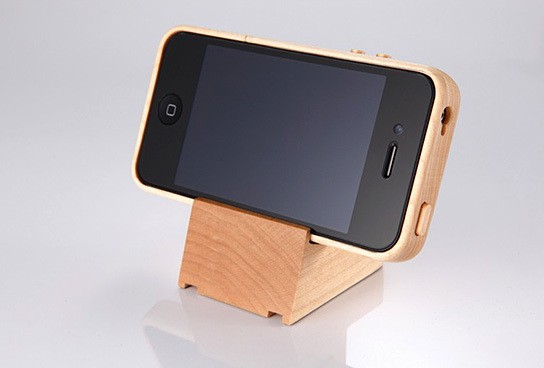 iTimber - iPhone 4 Maple Wood Case and Stand 544x368px