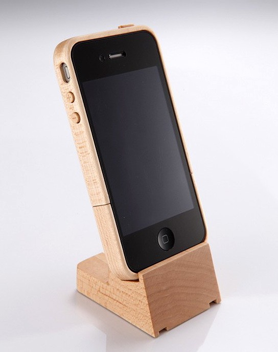 iTimber - iPhone 4 Maple Wood Case and Stand 544x688px