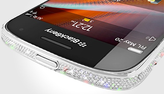 BlackBerry 9900 in Platinum and Crystal Bezel 544x311px