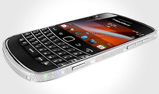 BlackBerry 9900 in Platinum and Crystal Bezel 544x322px