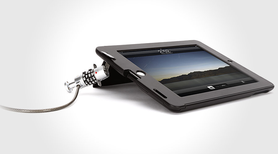 Griffin TechSafe Case for iPad 2 900x500px