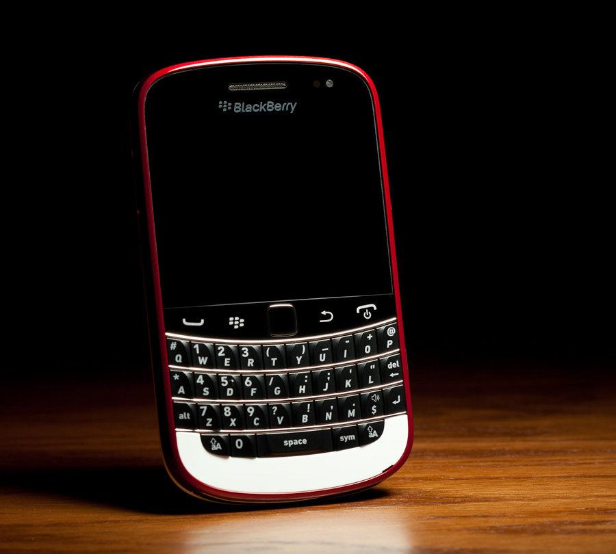 Colorware Blackberry Bold 9900 900x810px