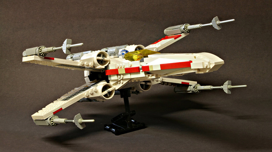 Mike Psiaki's custom LEGO X-Wing Starfighter