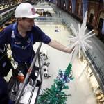 the world's largest LEGO Christmas Tree [photos]