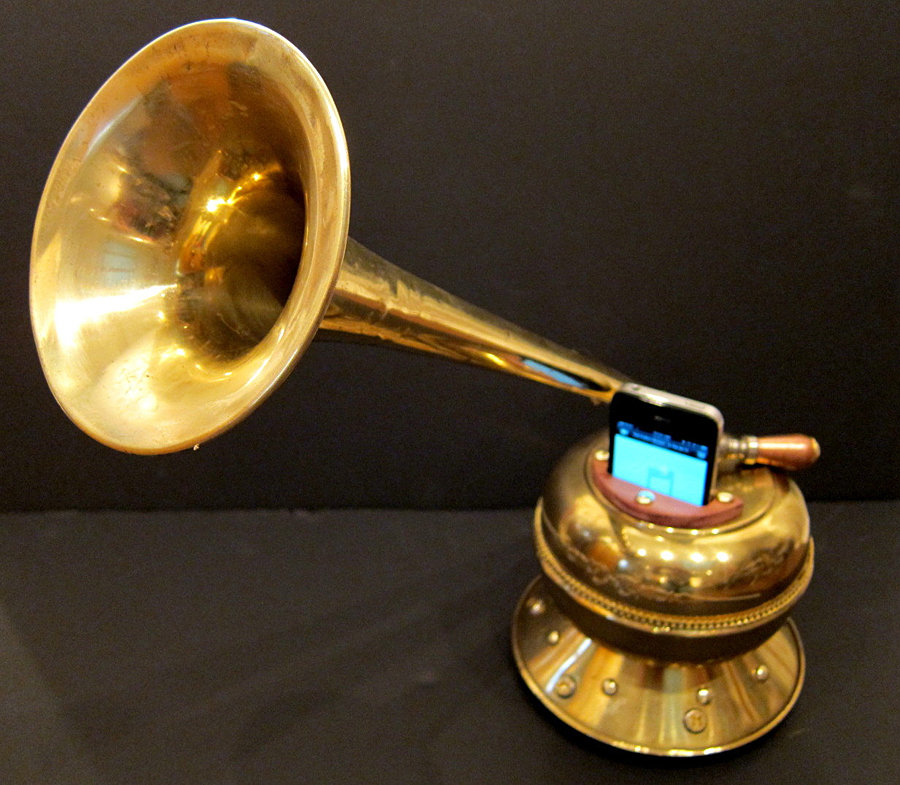 Steampunk iPhone Victrola