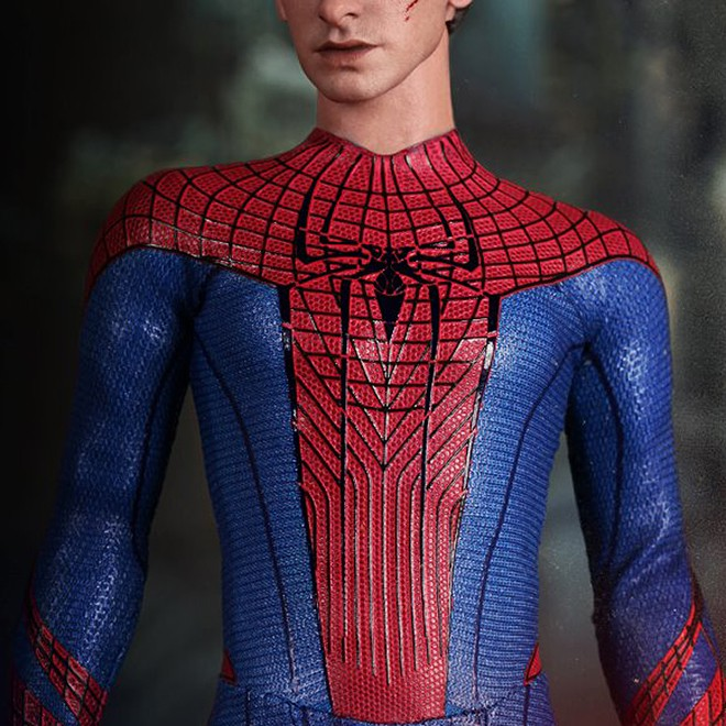 The Amazing Spider-Man Sixth Scale Figure & The Amazing Spider-Man Sixth Scale Figure - MIKESHOUTS