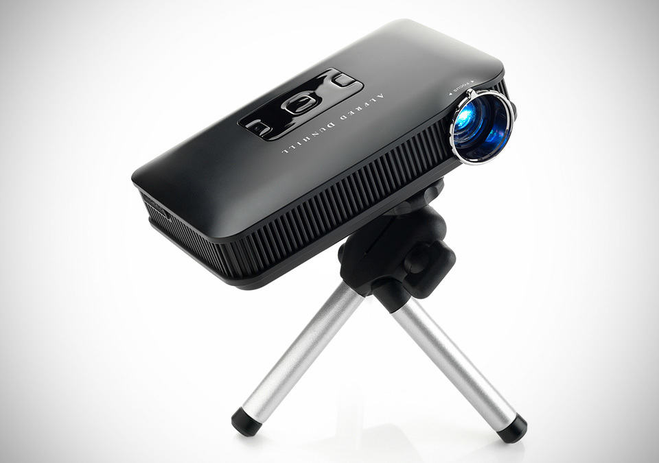 Dunhill mini projector mikeshouts for Miniature projector