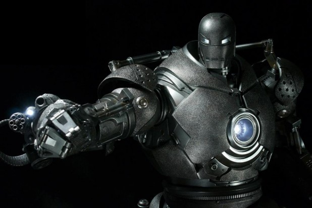 Iron Monger by Hot Toys
