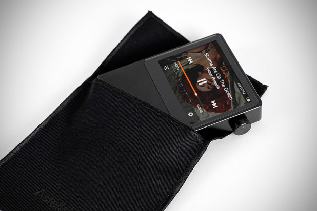 Astell&Kern AK100 MQS Portable System by iRiver