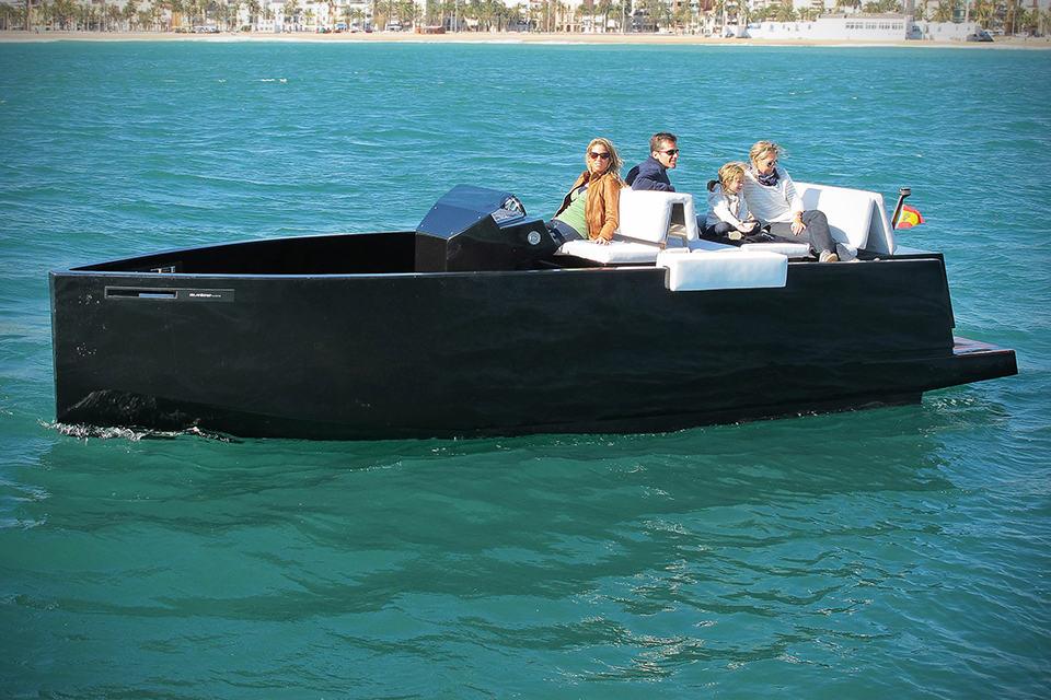 DeAntonio Yachts D23 Speedboat